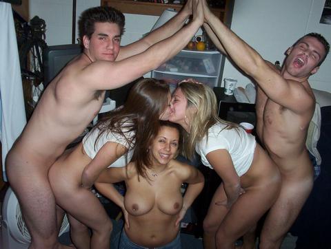 porno-studentki-otzhigayut
